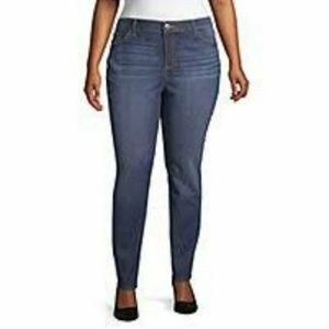 Liz Claiborne Straight Jeans City Fit